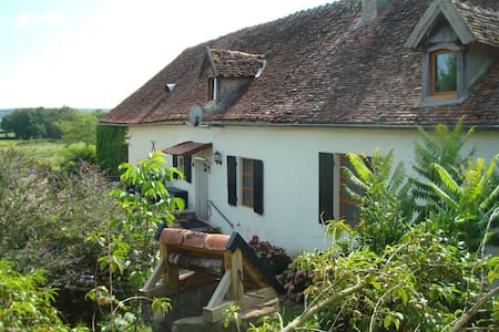 Gîte in het departement Allier - Saint-Aubin-le-Monial - Srub