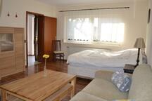 Idyllische 1 Zimmer-Wohnung am Fuße der Weinberge