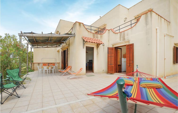 Holiday apartment with 2 bedrooms on 90m² in Menfi