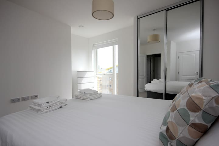 Luxury Limehouse Marina 1-bed Apartment - London - Apartment