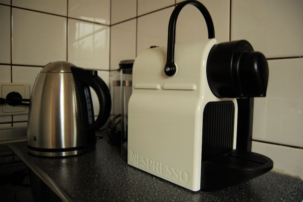 nespresso Kaffemaschine & Wasserkocher