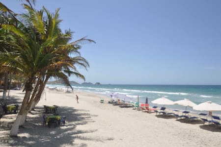 Hotel frente al Mar - Playa el agua