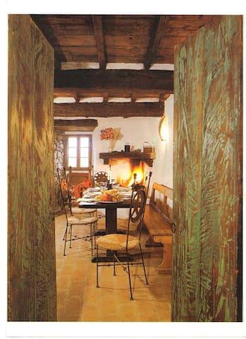 Castello di Cennina  Casa Torre - Bucine - Huoneisto