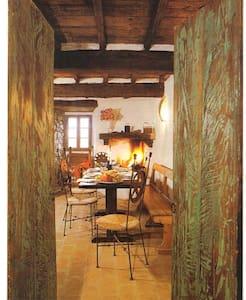 Castello di Cennina  Casa Torre - บูซีน - อพาร์ทเมนท์