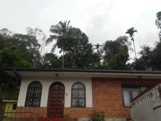 Primrose Heritage Jasmine Room, Kandy - Kandy - Apartment