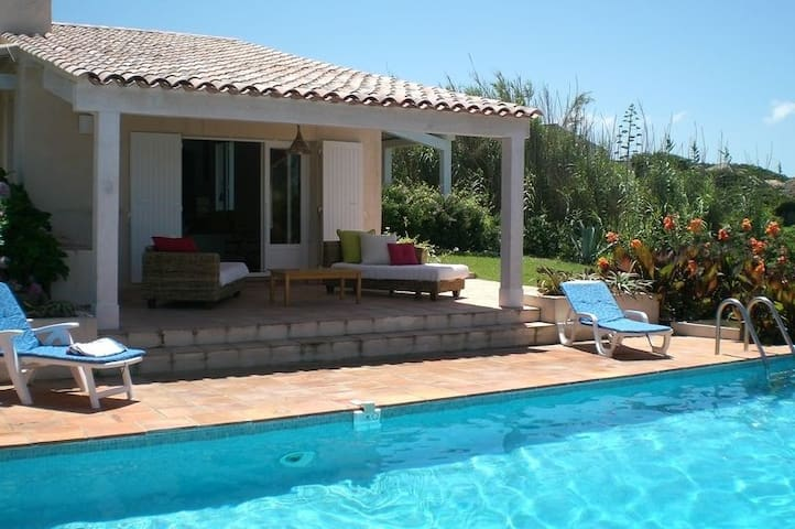 Private room Villa with a pool in front of the sea - Coti-Chiavari - Villa