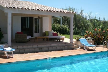 Private room Villa with a pool in front of the sea - Coti-Chiavari