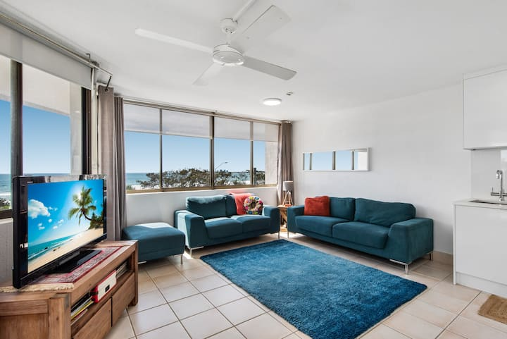 1 bedroom apartment with gorgeous ocean views