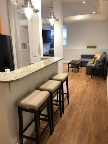 Perfect Central Location - Downtown Greensboro Fun