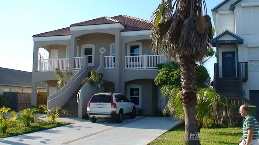 Ocean Breeze Beach Side Condominium - South Padre Island - Lejlighedskompleks