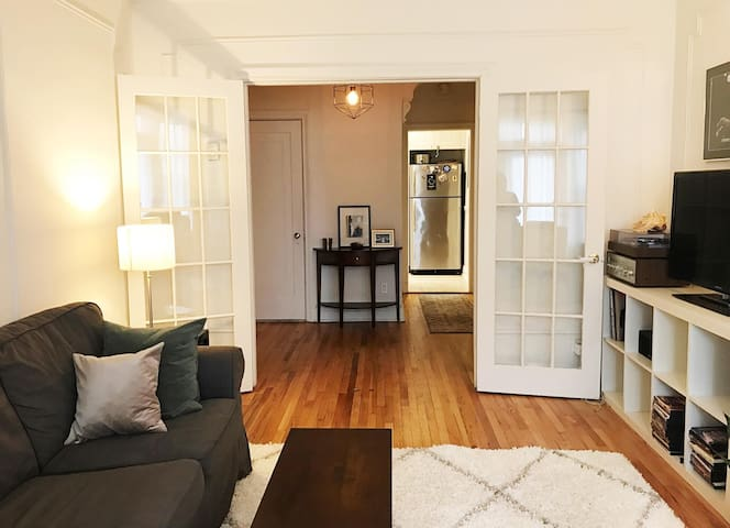 Charming and spacious 2-bedroom Condo in Outremont