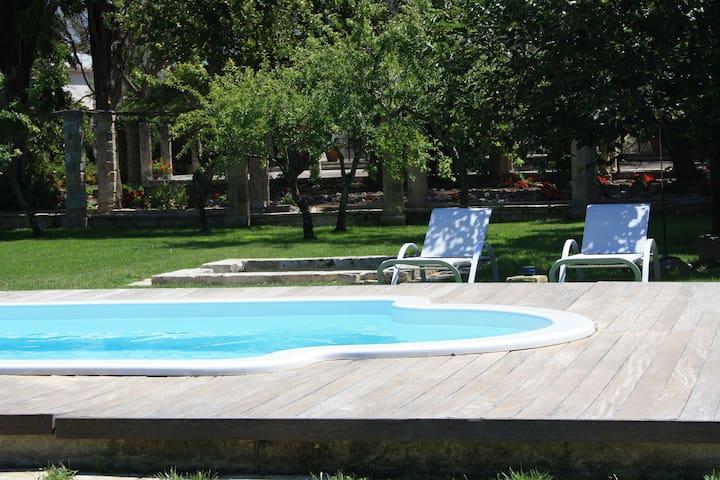 CHAMBRE BASTIONE dans le Château avec piscine