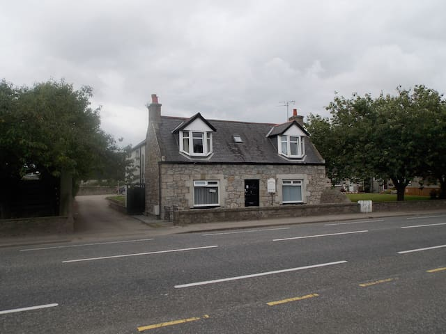 Stonegrange Guest House - Dyce