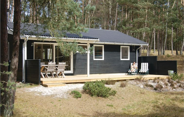 Holiday cottage with 3 bedrooms on 72m² in Nexø