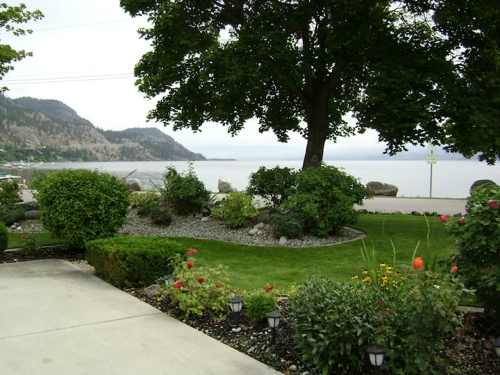 #1, 3904- Beach Ave , Peachland BC ( Lakefront)