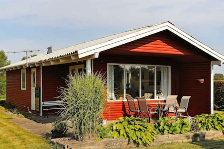 Vibrant Holiday Home in Funen near Sea
