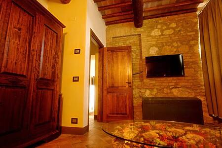 City escape rustic apt. in Tuscany - Sovicille - Huoneisto