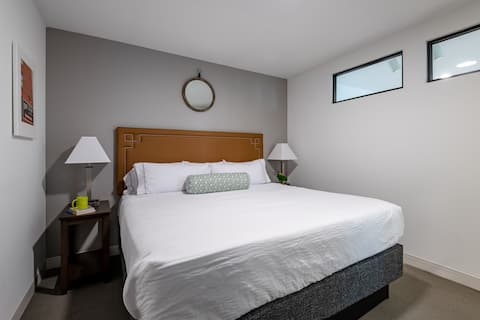 Comfortable Two Bed at Market City Center