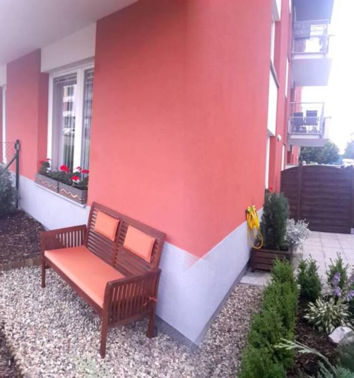 BASTIEN STUDIO Near Airport with TERRACE, Zličín