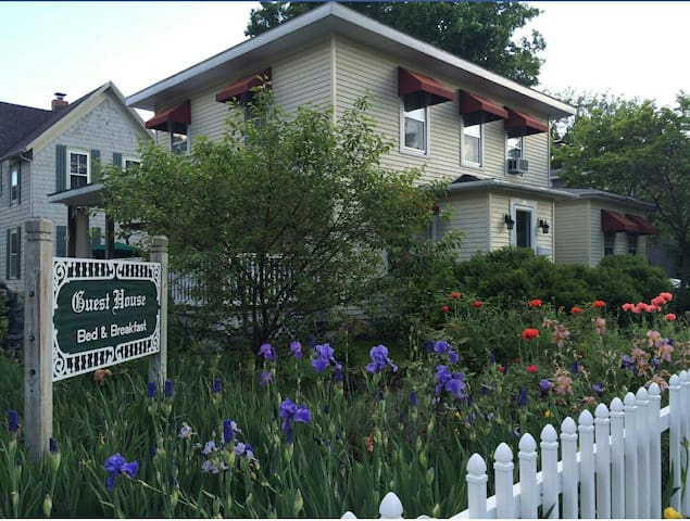 Guest House Bed and Breakfast - Greenville - Szoba reggelivel