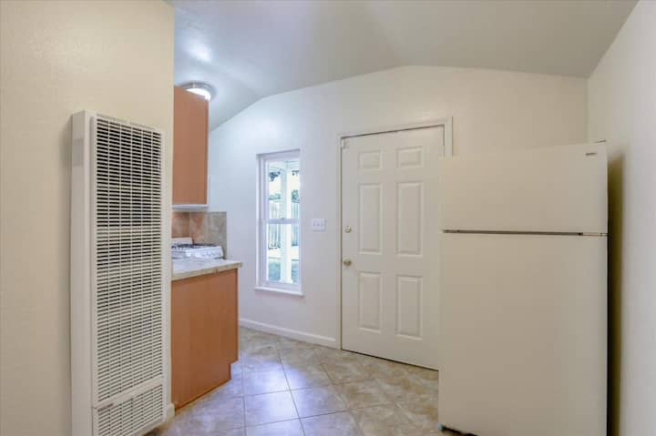 Renovated 1BR Home Near Stanford, Facebook & more