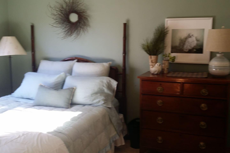 Songbird House -  Queen Bedroom