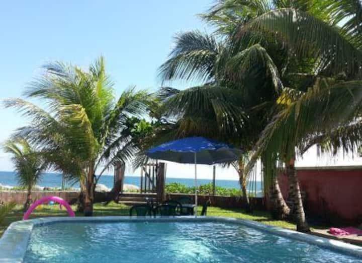 Casas del Pacífico, chalet a la orilla de la playa