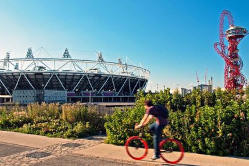 1 stop away from the famous Olympic Park