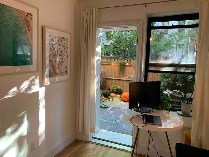 Bright & Spacious Chelsea apt with private patio!