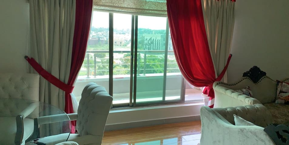 Retreat to a stylish flat in Islamabad/garden view