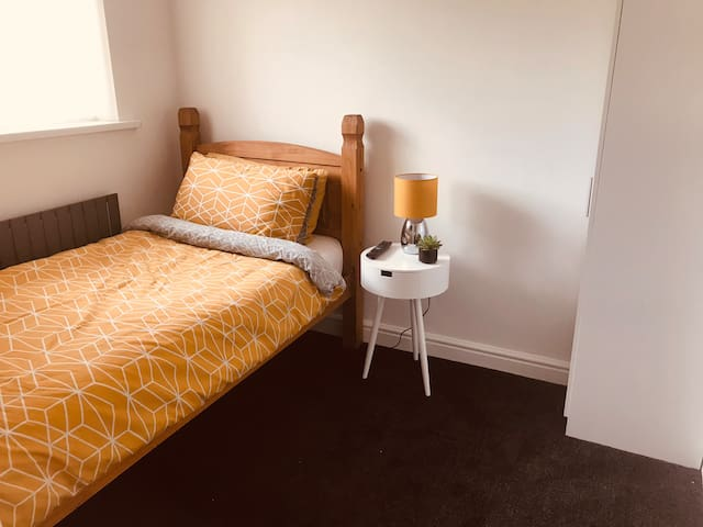 Single Room DH1 close to Durham University.