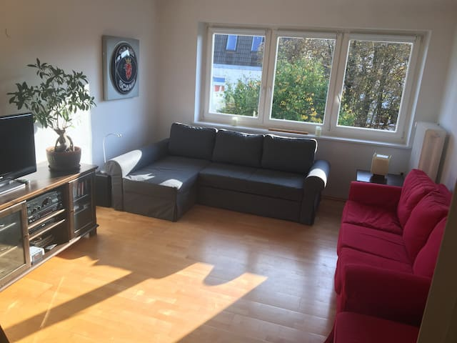 Ruhiges und helles Apartment in super Lage