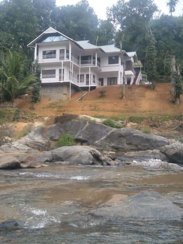 Ripples N Rocks Homestay