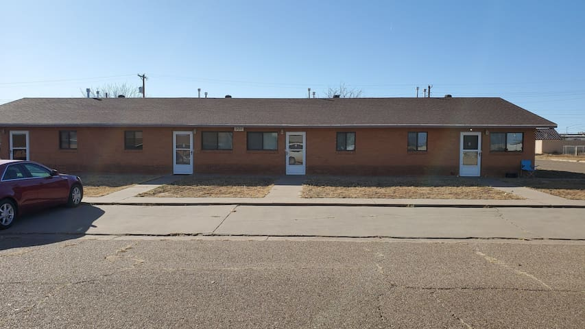 Two Bedroom Apartment near Route 66