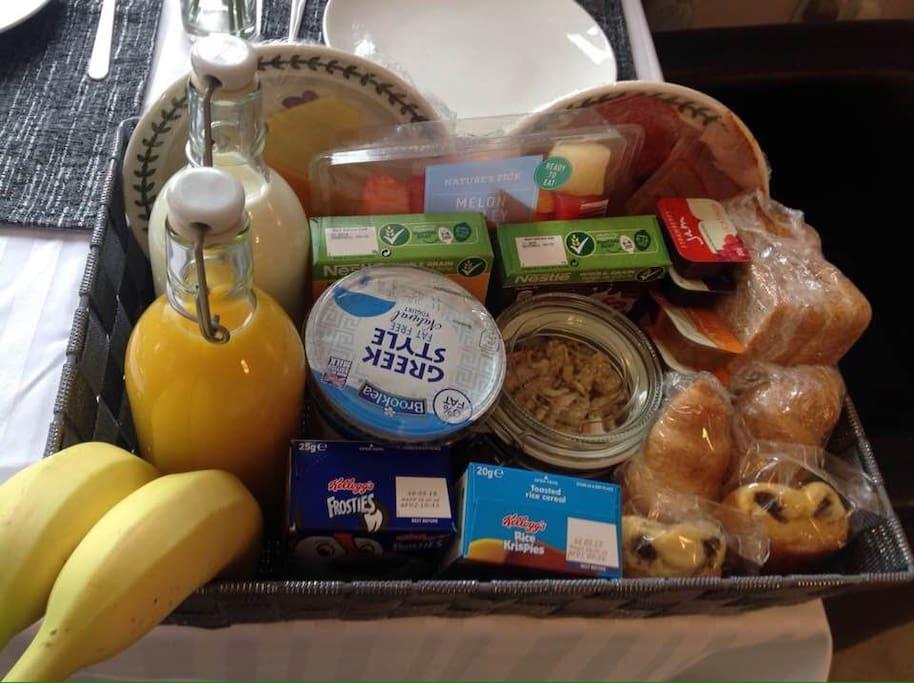 Deluxe Full Continental Breakfast
