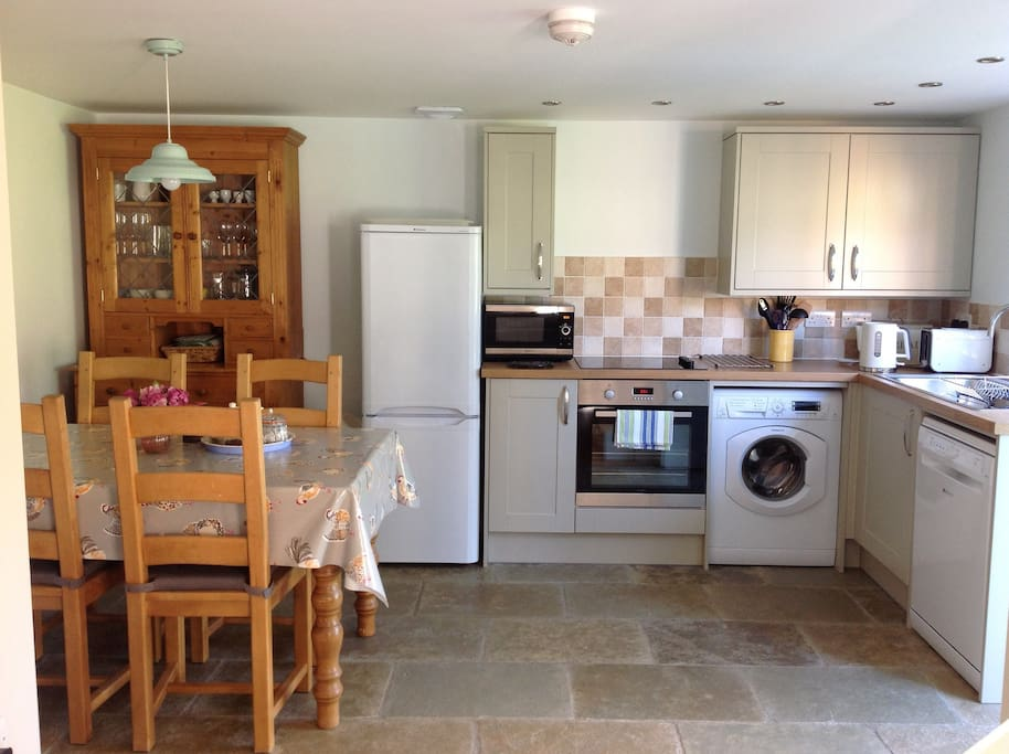 Country Kitchen & dining, perfect for families or friends at any time of year