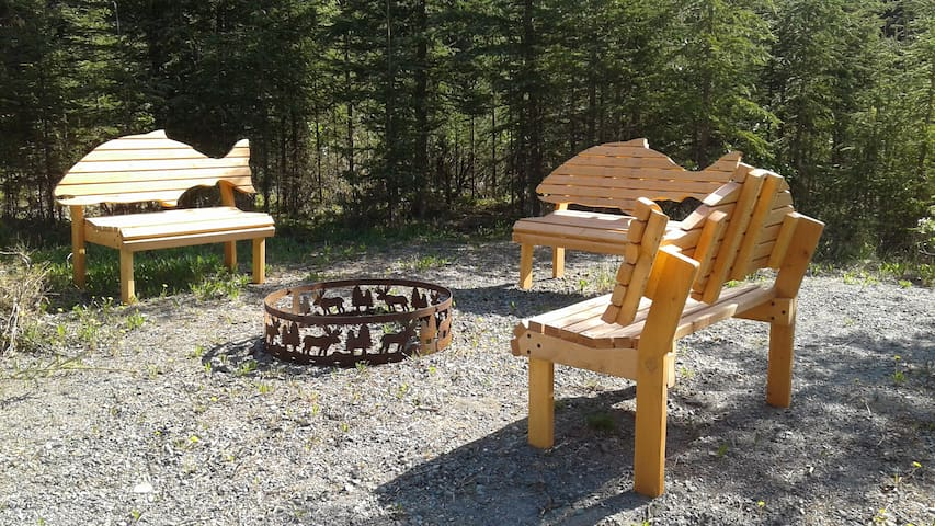 2 bedroom, 1 bath quiet lodge with forest view! - Soldotna - Leilighet