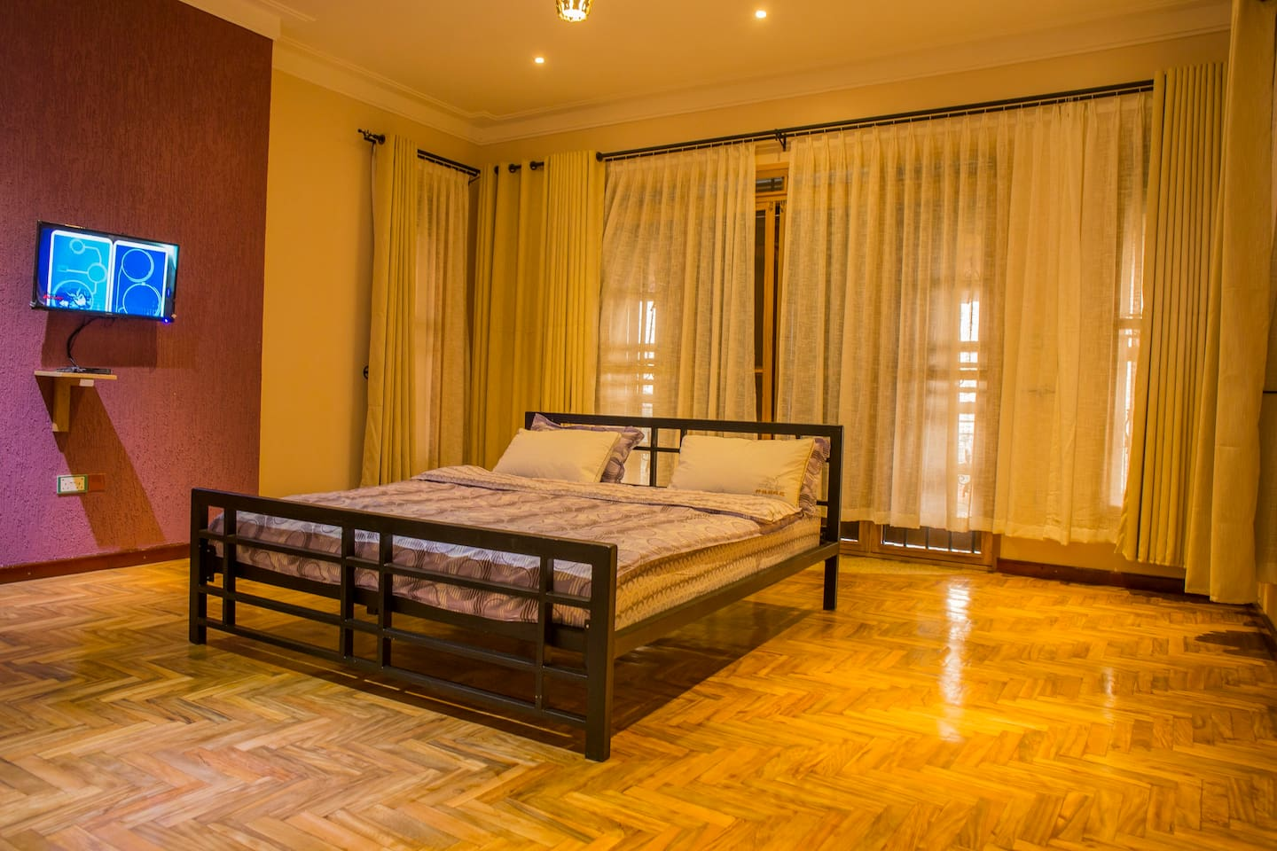 Spacious room for the suite room