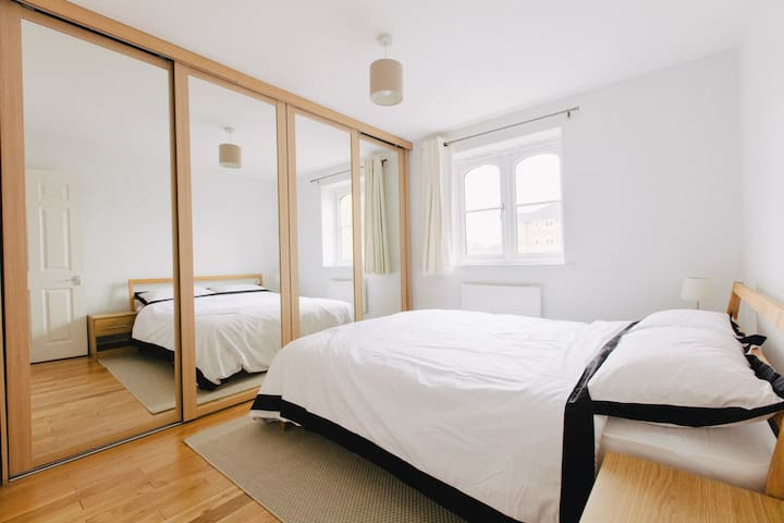 Great Central Large Ensuite Room w/ King size bed - Londen - Appartement