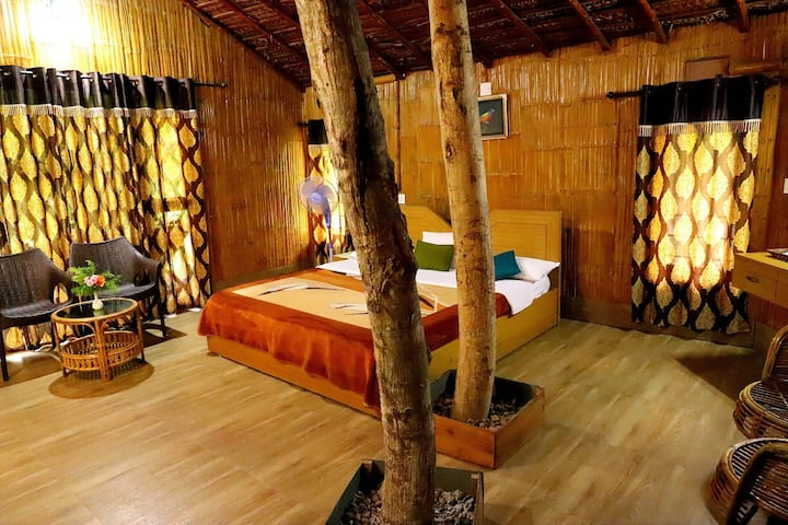 Tree cottage in Wayanad, Kuruvadweep