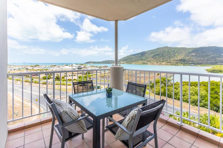 ❤️Airlie-dise⛱️NO hills⭐5min 2 Ferry⭐Kitchen⭐WiFi