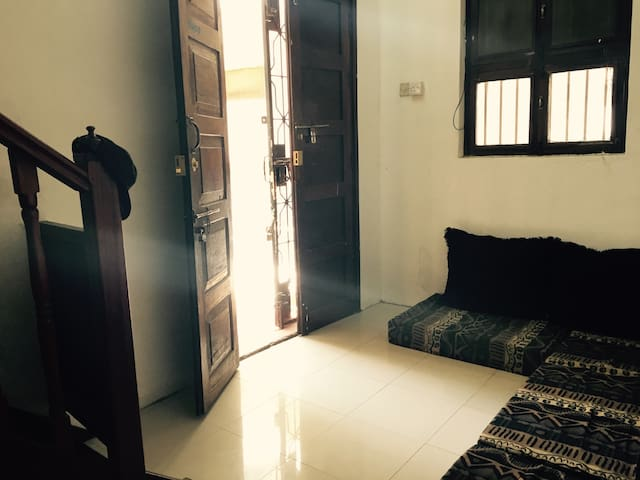 Extended stay pleasant shared home - Zanzibar Town - Dom