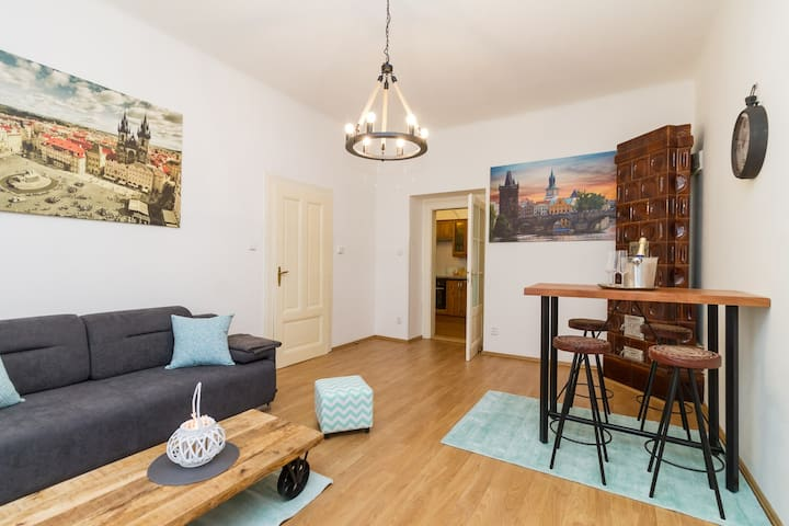 Prague-inspired home, 10 minutes to Prague castle.
