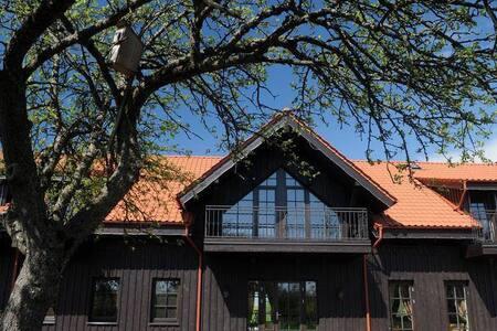 Rusne Villa-Cosy and Luxurious QUADRUPLE ROOM Stay