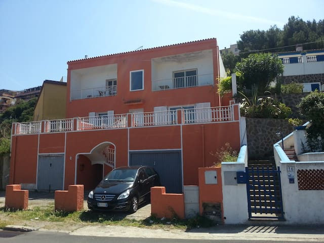Castelsardo a 2 passi dal mare - Castelsardo - Casa