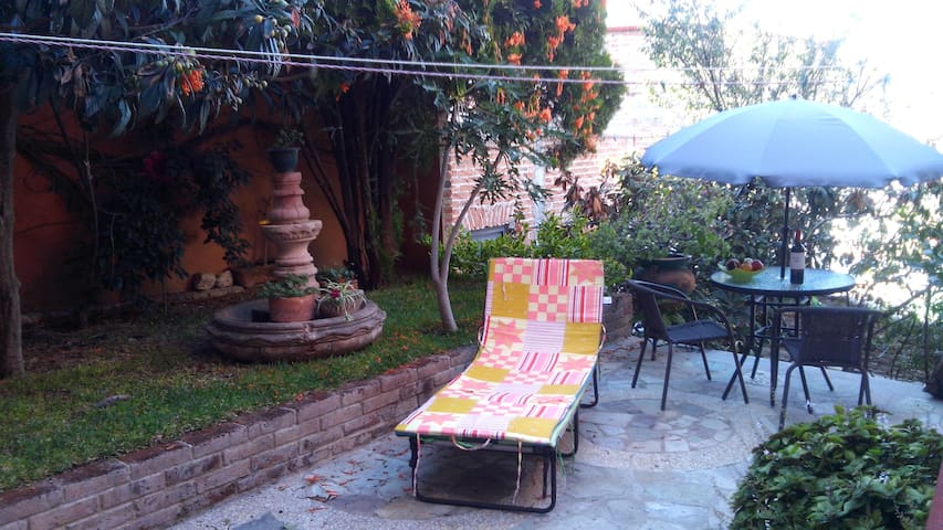 Apt with Garden: Great view and a courtyard! - Guanajuato - Apartamento
