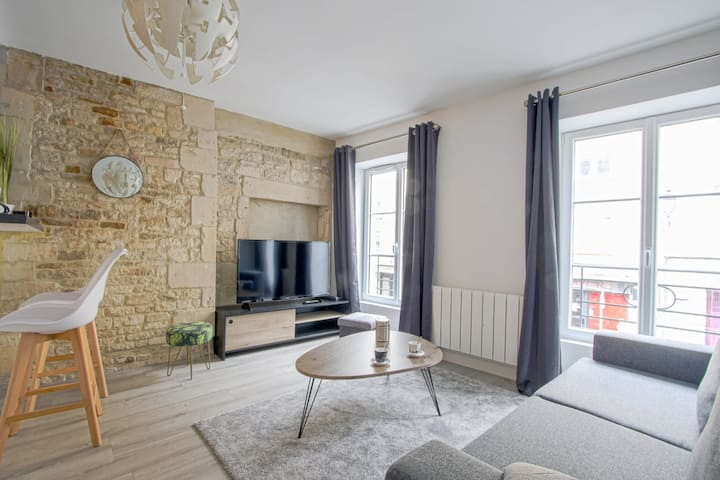 Bright and renovated apartment near Caen center