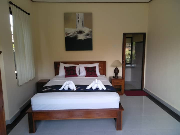 Garden authentic Bali living in Chandra house ubud