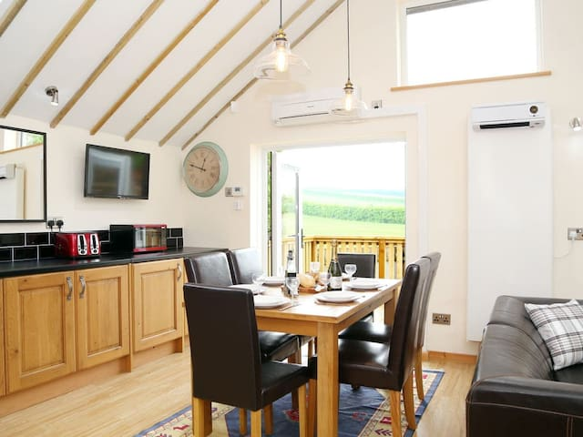 Kentish Barn Retreat (M414285)