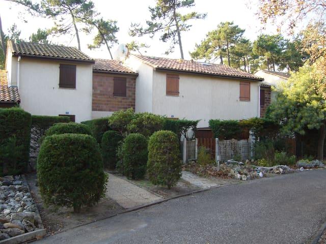 Maison bord de Mer 300 mètres de la plage - Soulac-sur-Mer - Huis